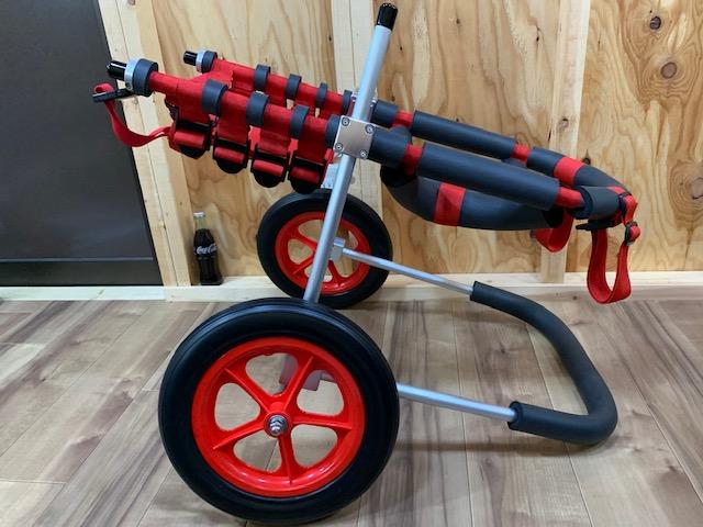東京都のボクサー Mokoちゃんの犬の車椅子