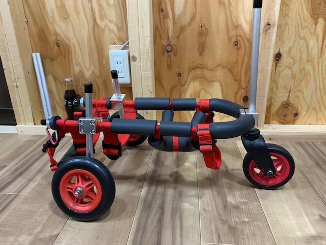 千葉県のミニチュアダックスフンド マロンちゃんの犬の車椅子が完成しました。