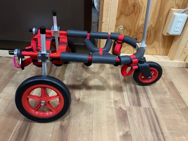 福岡県のコーギー きな子ちゃんの車椅子を三輪仕様に改造させて頂きました。